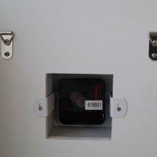 電池式、壁にかけることもできます
