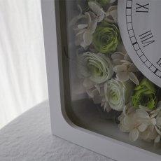 全体にたっぷりと花をアレンジメント